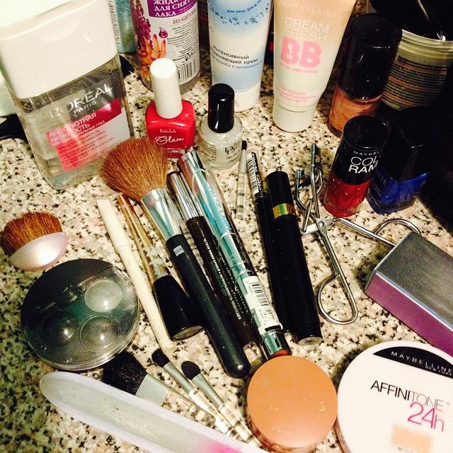 cosmetics-476707_640